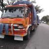 Bahu Jalan Aruji Dijadikan Mangkal Antrian Tronton
