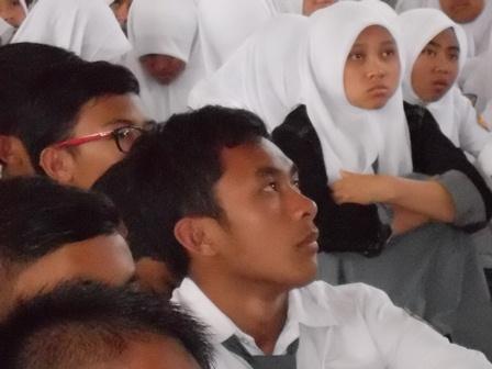 Peserta Advokasi P4GN Serius Simak Presentasi Nara Sumber. (Foto: John).