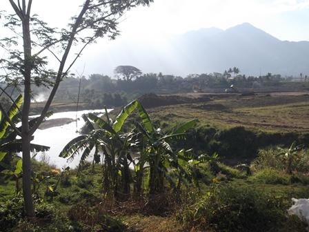 Debit Sungai Cimanuk Kerap Berfluktuatif. (Foto: John).