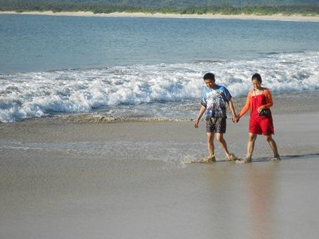 Melepas Penat Pada Sepanjang Hamparan Bibir Pantai.