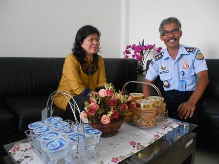 Kepala BNNK Garut, AKBP Widayati, BA Menerima Kunjungan Koordinasi Kepala Lapas, Rahmat Mulyana, Rabu (06/11). Foto: John.