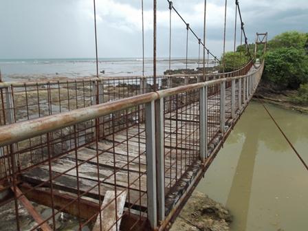 Ilustrasi, Pembangunan Jembatan di Pameungpeuk Terindikasi Tak Jelas Perencanaan dan Kualitas Pelaksanaannya. (Foto: John).