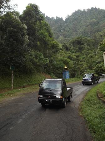 Ilustrasi, Kondisi Lintasan Ruas Badan Jalan di Wilayah Garut Selatan. (Foto: John).