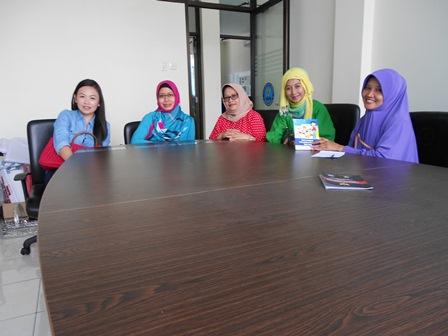 Ibu-Ibu dari Pertamina PLTP Kamojang di BNN. (Foto: John).