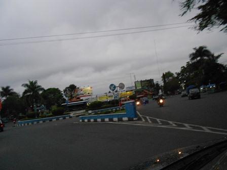 Ilustrasi, Persimpangan Jalan. (Foto: John).