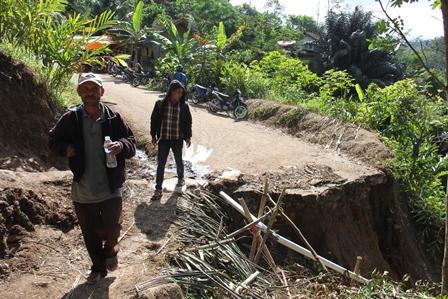 Bencana Garut Selatan di Cisewu.