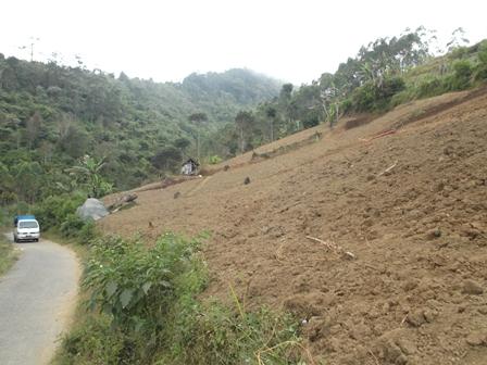 lustrasi, Banyak Kawasan Rawan Longsor dan Banjir Lumpur di Garut, Jabar. (Foto: John).