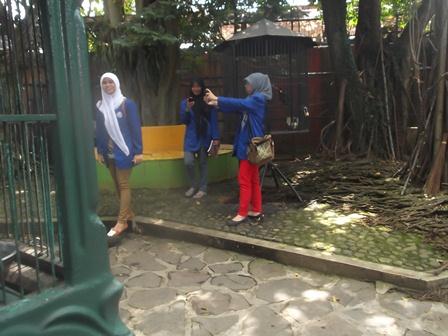 Wisata Ilmiah Taman Satwa Cikembulan. (Foto : John).