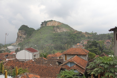 Kian Padat Pemukiman Penduduk.