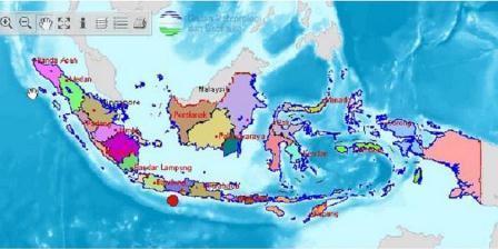 Gempa Kebumen (titik merah) berpusat di wilayah 40 kilometer dari garis pantai, 104 km dari kota Kebumen, pada kedalaman 88 km. (BMKG).