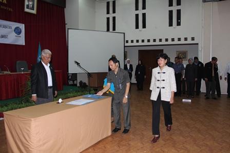 Penandatanganan Pernyataan Penetapan Kinerja Tahun Anggaran 2014.