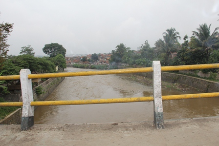 Ilustrasi. Sungai Cimanuk. (Foto: John Doddy Hidayat).