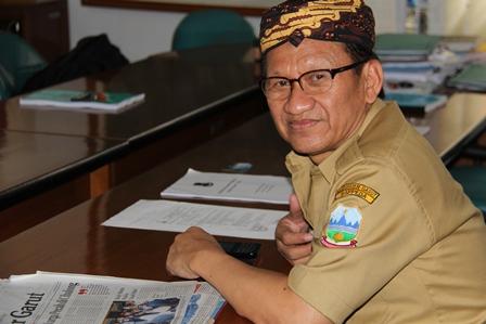 Baru Bertutup Kepala Adat Sunda, Rabu (26/02-2014). Foto: John Doddy Hidayat.