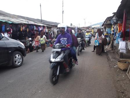 Kondisi Pasar Cibatu Saat Ini. (Foto : John Doddy Hidayat).