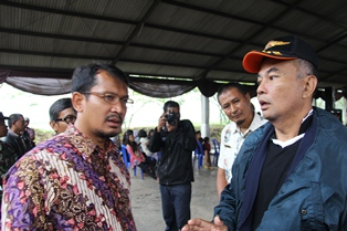 Gagah Prakoso Bersialog Dengan Wakil Bupati Garut, Terkait Solusi Efektif Bersihkan Eneng Gondok di Perairan.