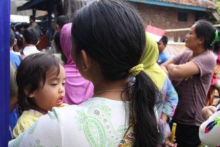 Keluarga Miskin Kabupaten Garut, Harapkan Banyak Bantuan Kemensos. (Foto: John Doddy Hidayat).