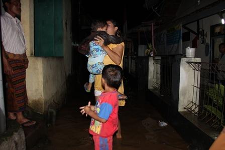 Banjir Cimacan, Jum'at (28/03-2014). Foto : John Doddy Hidayat.