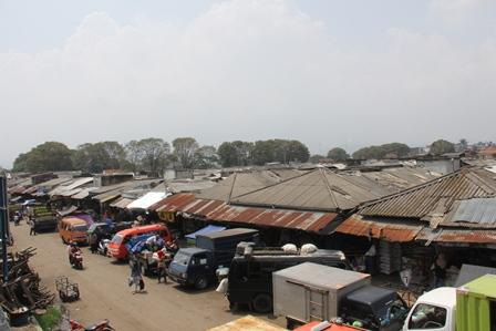 Ilustrasi. Pasar Ciawitali Guntur, Garut (2014). Foto: John Doddy Hidayat).