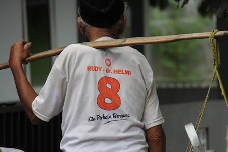 Perlu Bukti, Bukan Janji, Bro. (Foto: John Doddy Hidayat).