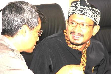 Wakil Bupati, Helmi Budiman Beraudensi Dengan Jajaran Fakultas Kedokteran Universitas Padjadjaran di Garut, Rabu (26/03-2014). Foto: John Doddy Hidayat).