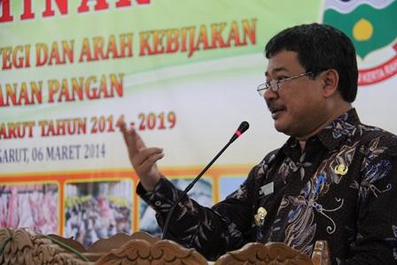Bupati Rudy Gunawan Pada Seminar Pangan. (Foto: John Doddy Hidayat).