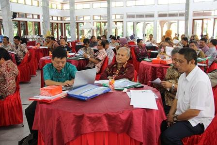 Suasana Seminar Pangan. (Foto: John Doddy Hidayat).