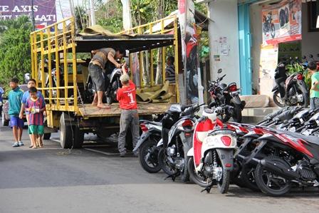 Ilustrasi. Di Kota Garut dan Sekitarnya Nyaris Setiap Hari Peroleh Pasokan Sekurangnya 200 Unit Sepeda Motor. (Foto: John Doddy Hidayat).