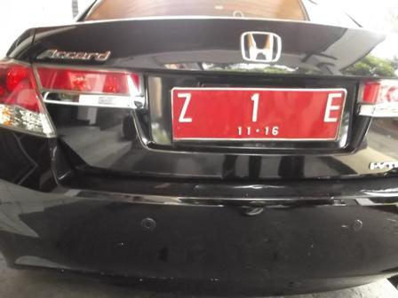 Mobil Dinas Bupati Rudy Gunawan.