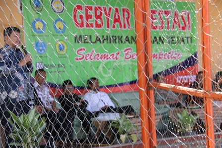 Bupati Rudy Gunawan, Membuka atawa Memulai Gebyar Prestasi di Kampus Qurrota A'yun, Samarang, Sabtu (19/04-2014).
