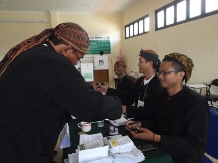 Ilustrasi. TPS. 13 RSU dr Slamet Garut, Selain Melayani Pencoblosan Pasien, Juga Melayani DPT Warga Sekitarnya 179 Pemilih. (Foto: John Doddy Hidayat).