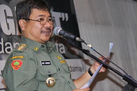 Bupati Rudy Gunawan, Khidmat Bacakan Puisi, Senin (07/04-2014).