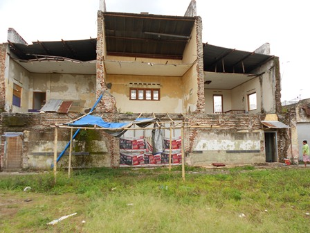 Ilustrasi. Bekas Gedung Bioskop Sumber Sari, Garut, Jabar. (Foto: John Doddy Hidayat).