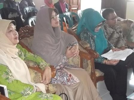 dr Hani Helmi Budiman Serukan Gencar dan Masiv Sosialisasikan Bahaya penularan TB Paru.(SB).