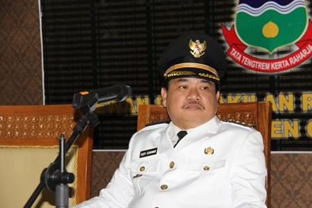 """Inilah Bupati Garut, Rudy Gunawan, Mengibaratkan PNS di Indonesia Sebagai """"Pelacur"""". (Foto: John Doddy Hidayat)."""