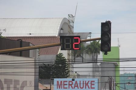 Merauke Papua di Lintasan Jalan Jenderal Sudirman, Bandung. (Foto: John Doddy Hidayat).
