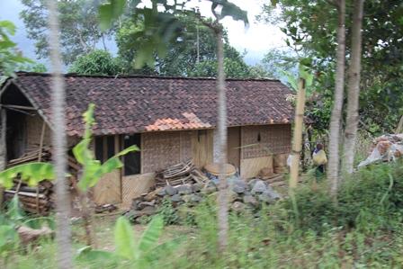 Salah Satu Kondisi Pemukiman Penduduk Pangeureunan.