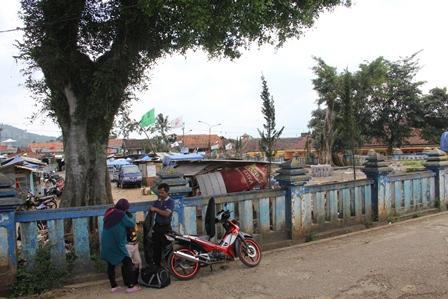 Alun-Alun Malangbong Terancam Menjadi Kenangan.