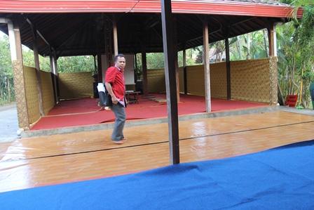 Aparat Dinas TPH Siapkan Kegiatan Raker Renstra, Jum'at (09/04-2014).