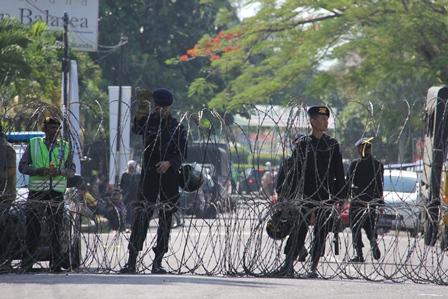 Ilustrasi. Rapat Pleno KPU Garut, Penetapan Kursi dan Calon Pemilih, Dijaga Ketat Aparat, Berkesan Sangat Berlebihan, Selasa (13/05-2014). (Foto: John Doddy Hidayat).