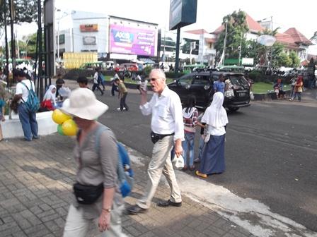 Ilustrasi. Banyak Pula Wisatawan Asing Berlibur Nikmati Wisata Bernuansakan Ilmiah di Indonesia. (Foto: John Doddy Hidayat).