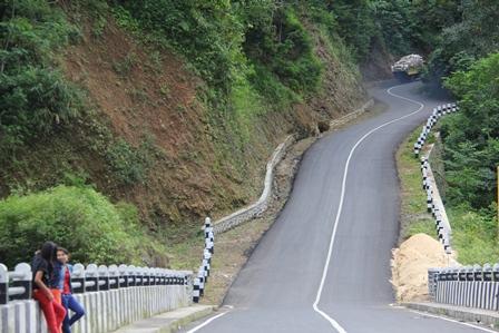 Lintasan Bungbulang-Cisewu-Rancabuaya. (Foto : John Doddy Hidayat).