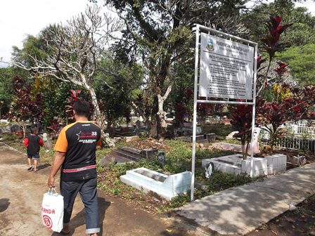 Nyadran di Pemakaman Tenjolaya, Garut, Jabar, Jum'at (27/06-2014). Foto : John DH.