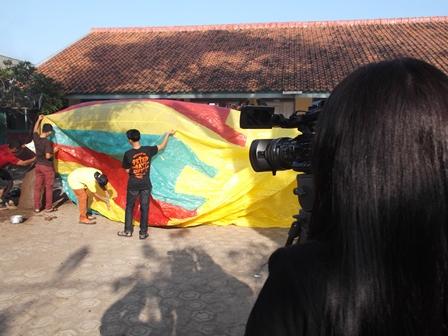 Proses Peluncuran Balon Udara Panawuan.