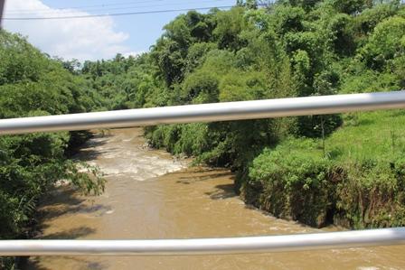 Lintasan Aliran Sungai Cimanuk Pada Wilayah Garut Utara. (Foto : John Doddy Hidayat).