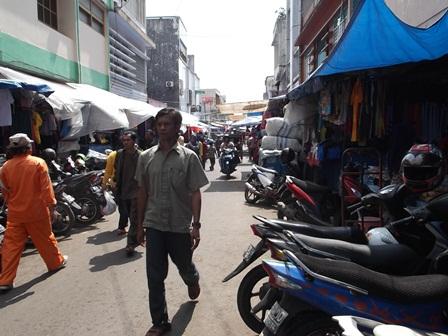 Kondisi Lintasan Pasar Baru Garut, Jabar, Jum'at (11/07-2014).