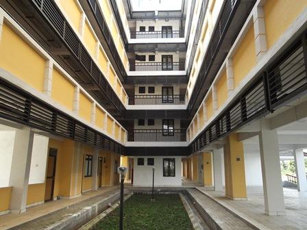 Tiga Lantai Berkapasitas 98 kamar tipe 21.