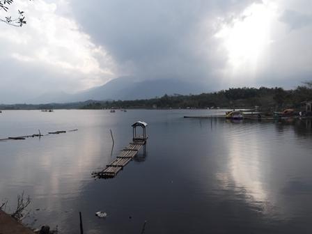 Masih Terdapat Sekitar 50 hektare Hamparan Eceng Gondok/Gulma Tanaman Liar.