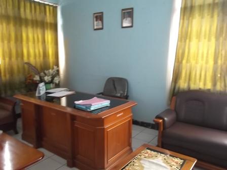 Kosong, Ruang Kerja Kepala Disnakanla Garut, Jum'at (11/07-2014).