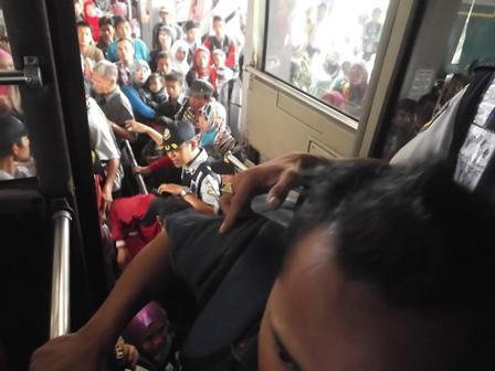 Ilustrasi. Luapan Arus Balik Lebaran Idul Fitri 1435 H/2014. (Foto: JDH).