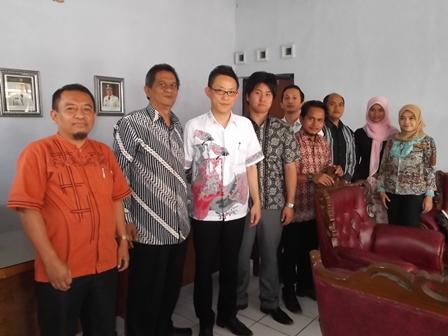 Dewan Pendidikan Kabupaten Garut Kembali Menerima Kunjungan Glect Indonesia Persada, Senin (25/08-2014).
